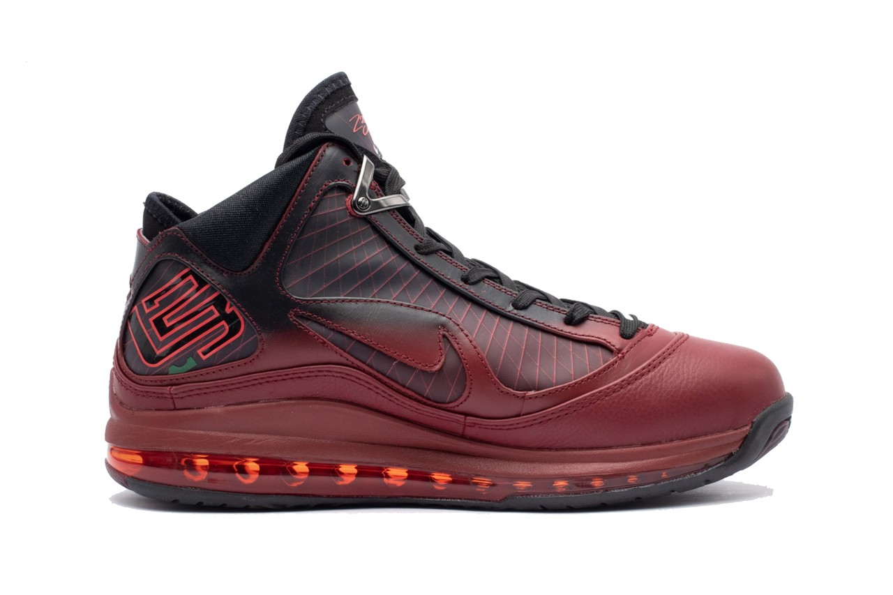 nike lebron vii 7 retro christmas team red metallic silver black hot CU5133 600 release date info photos price