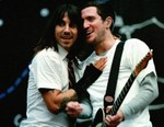 Red Hot Chili Peppers Reunites With Longtime Guitarist John Frusciante