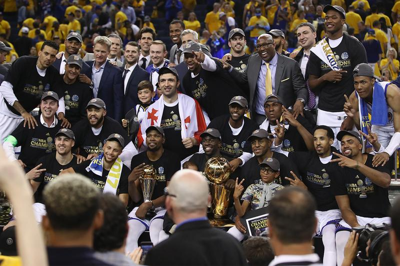 Sports Business Journal Golden State Warriors Franchise of the Decade NBA national basketball association klay thompson steph curry sports