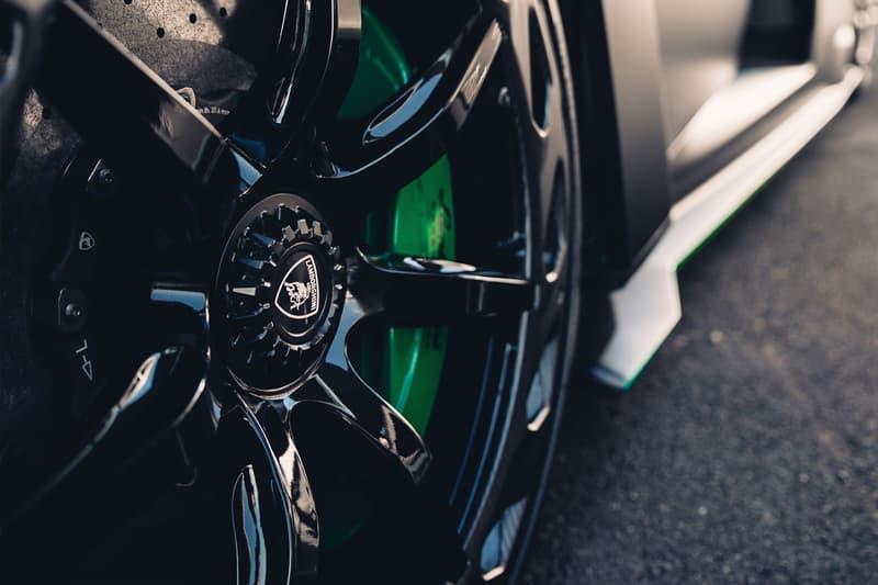 2015 Lamborghini Veneno Roadster Auction RM Sotheby's supercar hypercar one of 9 built €4,500,000 - €5,500,000 paris 6.5 litre v-12