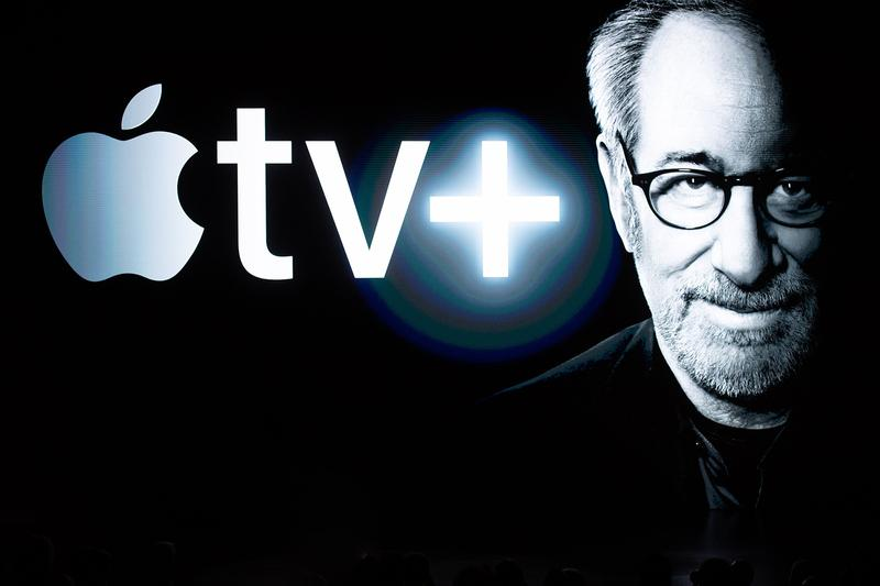 apple services sales financial fiscal report record high revenue 12 7 billion usd arcade icloud music tv plus