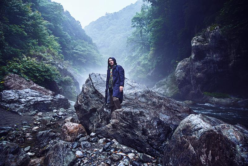 Eye/LOEWE/Nature Spring/Summer 2020 Collection SS20 Lookbook Jonathan Anderson Outdoors Inspiration Gray Sorrenti British actor Josh O'Connor Mount Fuji Japan