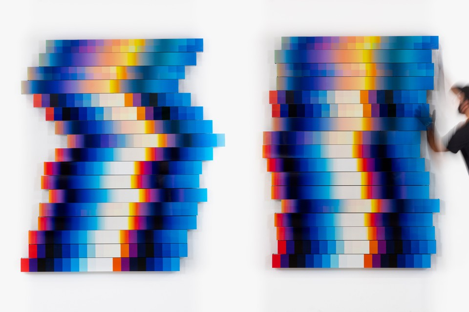 Felipe Pantone Brings Perception-Shifting Artworks to Mexico City's RGR Gallery