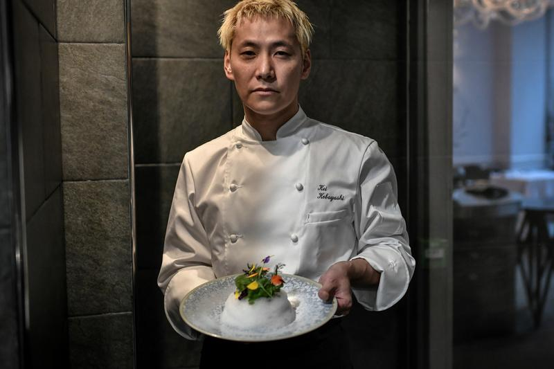 Kei Kobayashi First Japanese Chef Receive Third Michelin Star Kei Paris Nagano nine years french cuisine cook gastronomy award winner prize recognition acknowledge critic food