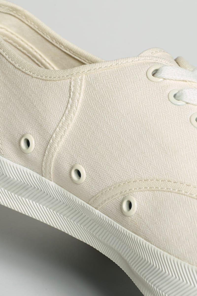 lacoste low cut shoes