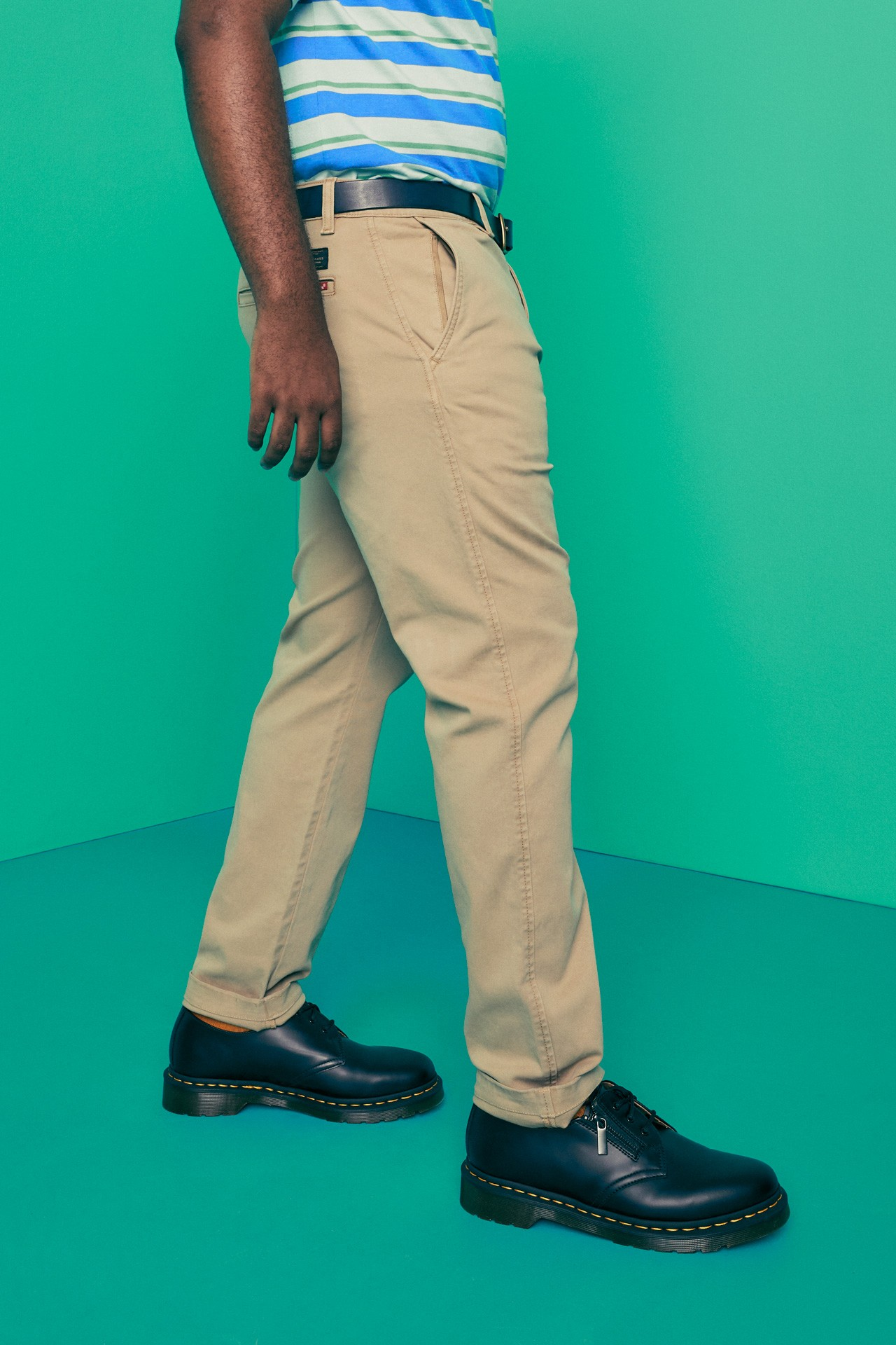 View Levis Black Chinos Pictures