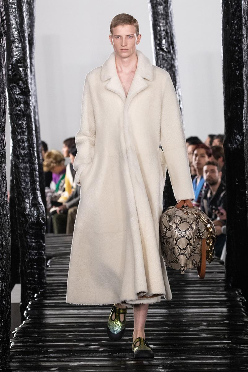 LOEWE Fall/Winter 2020 Runway Collection Paris Fashion Week Jackets Coats Shirts Pants Chain Links Bags Hats Blazers Capes Scarves Dresses Studs Silk