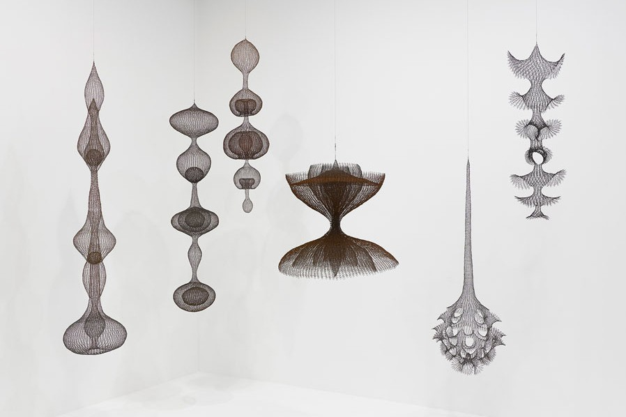 Ruth Asawa's Sinuous Sculptures Take Over David Zwirner London