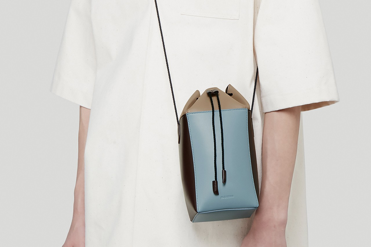 The Ten Best Handbags to Buy for 2020 Gucci Versace Linder Oberkmapf Off-White™ Jacquemus LOEWE Prada Jil Sander Telfar Menswear Trends Fashion Week Showgoers Street Style How to Wear A Manbag What to Wear With How to Style Summer