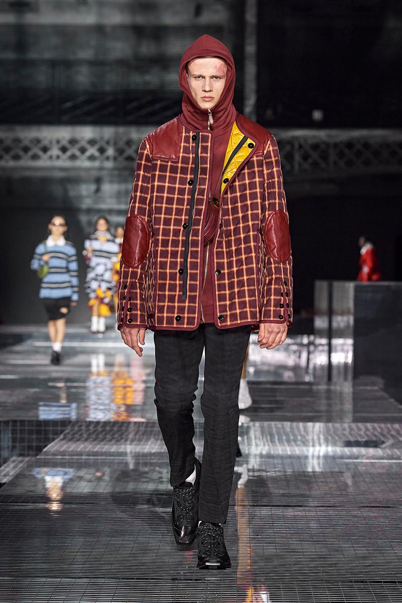 "Burberry ""Memories"" Fall/Winter 2020 London Fashion Week Runway Show Riccardo Tisci Looks Kensington Olympia Fashion House Heritage British Tailoring Coats Katia and Marielle Labèque producer Arca Performance"