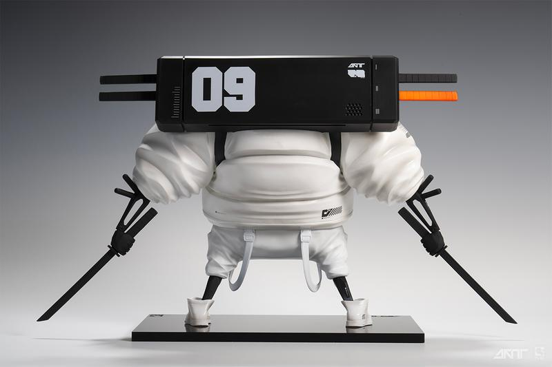 Daytoner Debuts Battle-Ready Robotic Sculpture purearts Master 9 Eyes M9E katana backpack sneakers puffer coat vinyl figure art toy resin character design streetwear