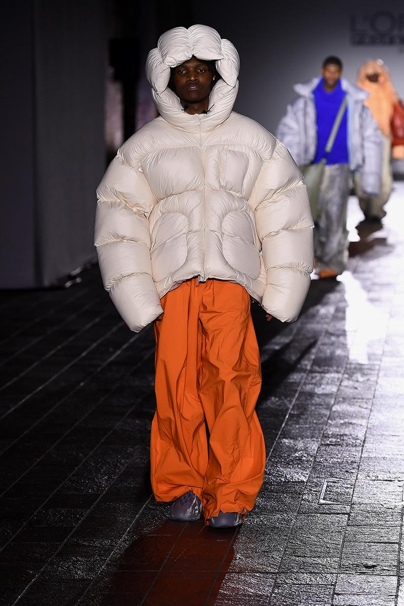 Ding Yun Zhang Debuts YEEZY Foam Runner at London Fashion Week Runway Footwear Kanye West Designer Closer Look Painted Custom Pairs Sheck Wes Central Saint Martins