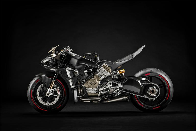 ducati superleggera v4 234 horsepower motorcycle motorbike bikes engine racing