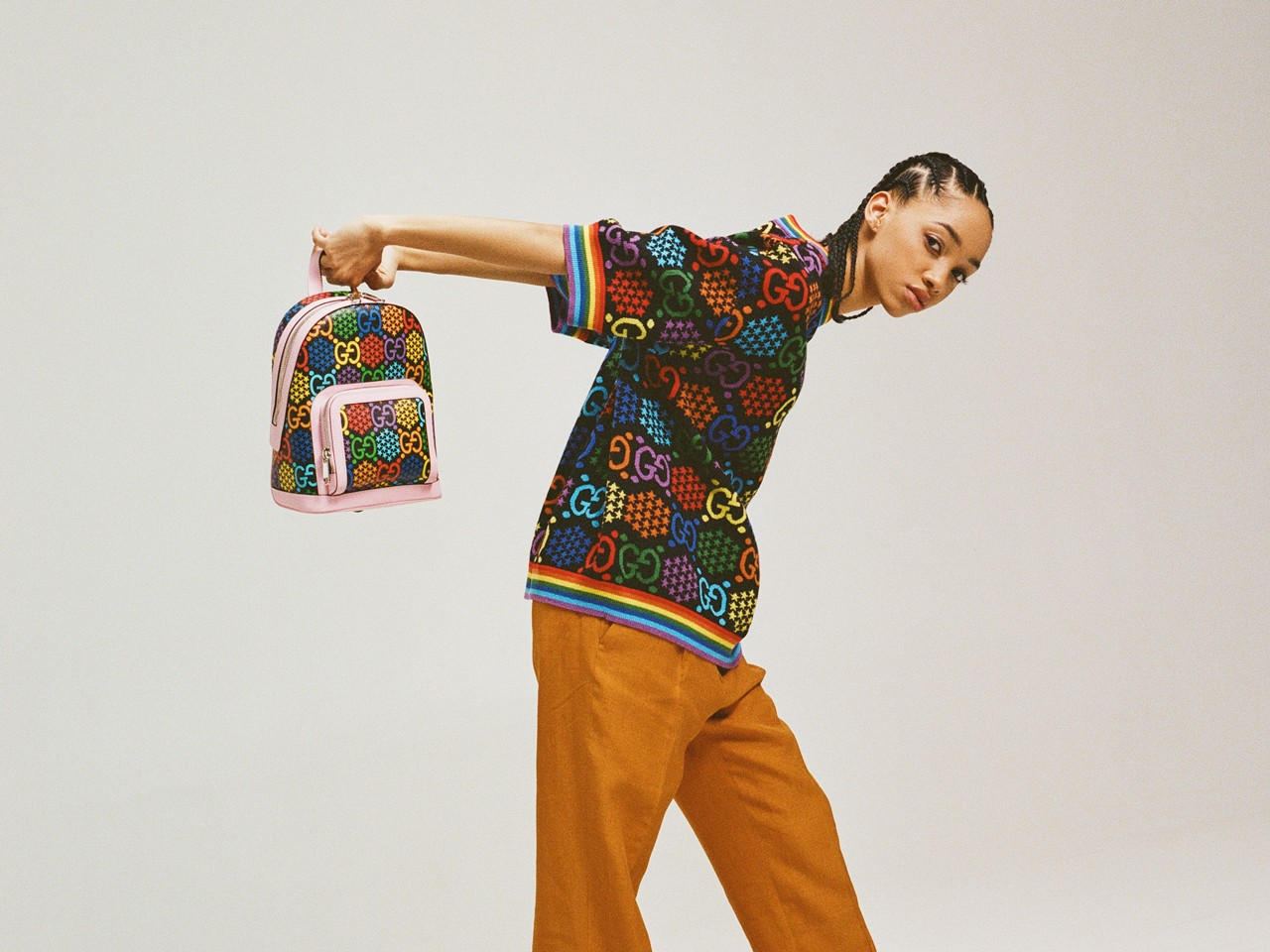 Gucci GG Psychedelic Collection GG logo men's and women's ready-to-wear handbags luggage shoes small leather goods accessories watches and a range of fine jewelry Gucci Pin 70s psychedelia surreal imagery wide color spectrums hazy images energy impact