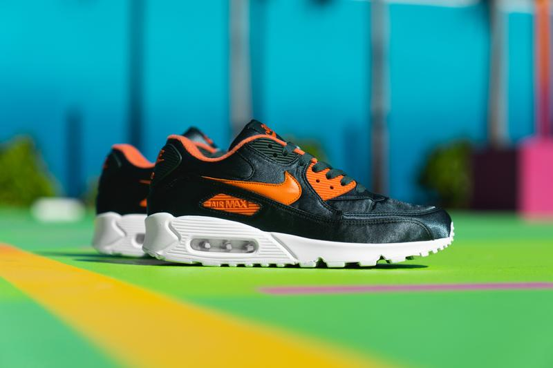 """UNKNWN Nike Air Max 90 """"305"""" Friends & Family sneaker exclusive release super bowl liv 54 Wynwood february 2 2020"""