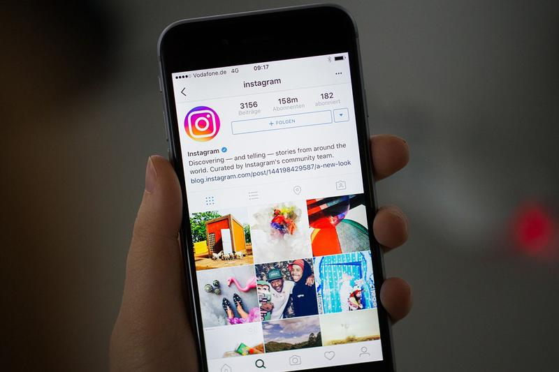 Instagram $20bn USD Ad Revenue 2019 Report 'Bloomberg' Article Tech Industry Apps Facebook Inc. Company Mark Zuckerberg Influencers Social Media Marketing Google YouTube Statistics Numbers Business