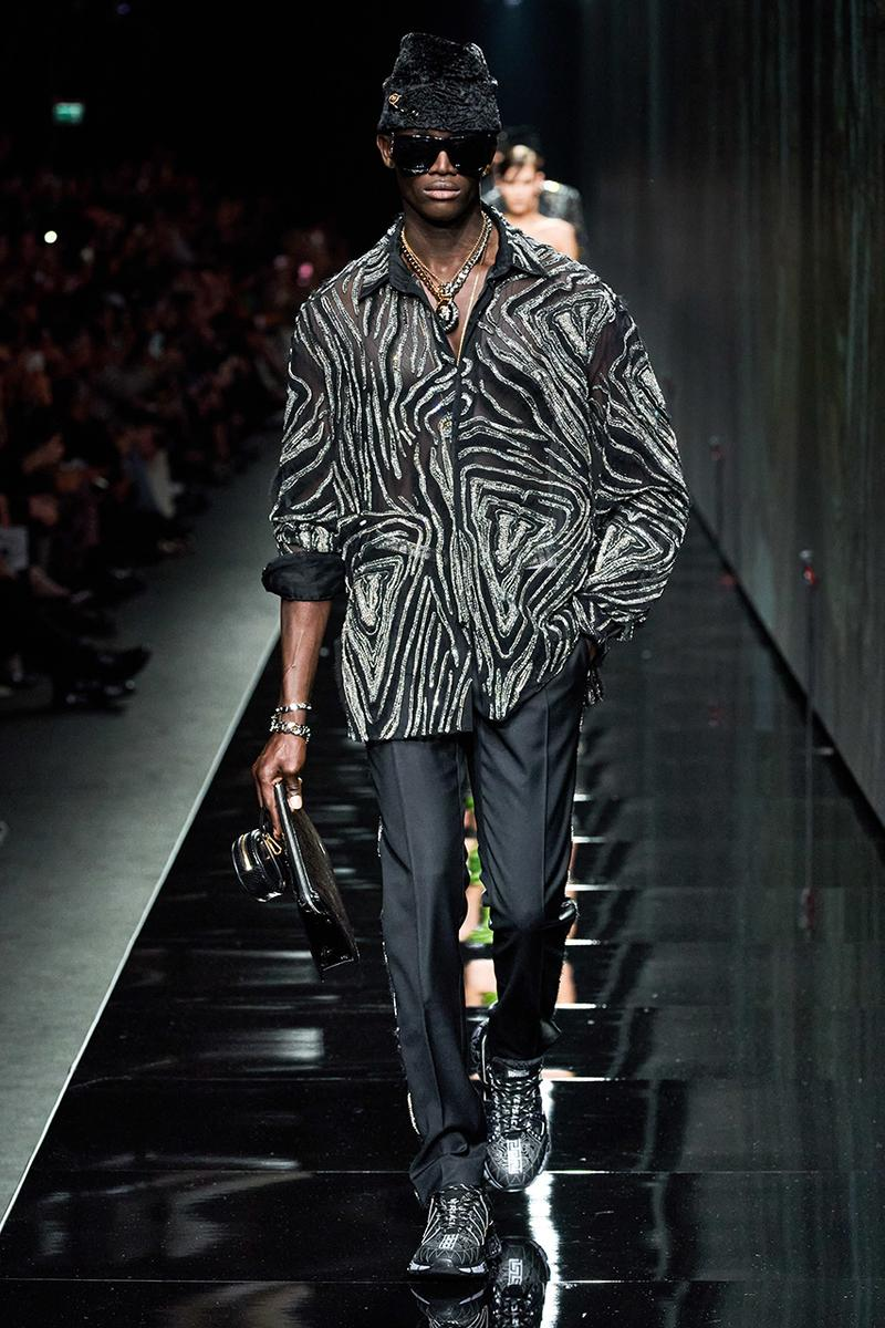 Versace Fall/Winter 2020 Milan Fashion Week Co-Ed Show Runway Donatella Versace Shots Looks Menswear Womenswear House Symbols Greek Key Pattern Tailoring Sportswear