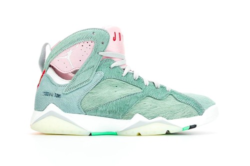 """The Air Jordan 7 """"Hare 2.0"""" Channels Bugs Bunny"""