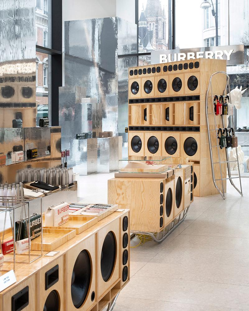 burberry selfridges london corner shop pop-up opening details march 2 march 29 products available accessories bags polar theme penguin ar