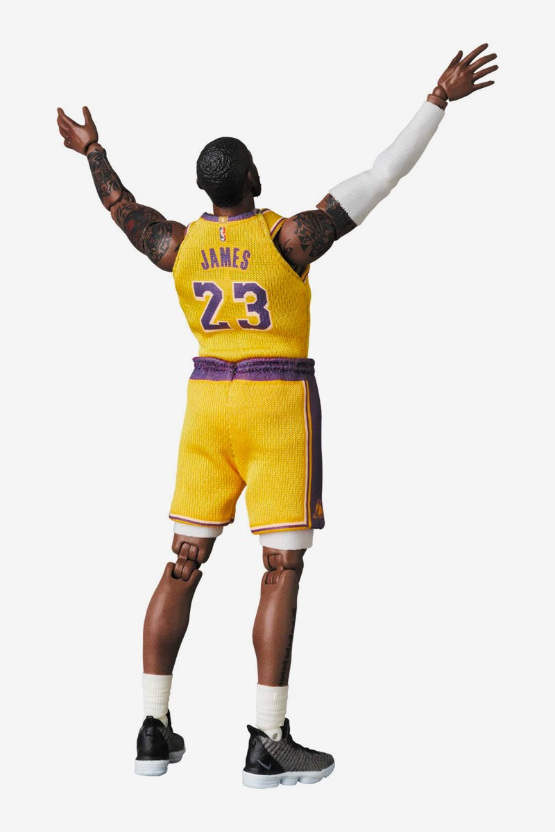 Medicom Toy MAFEX LeBron James the chosen one Figure Release los angeles lakers nba national basketball association