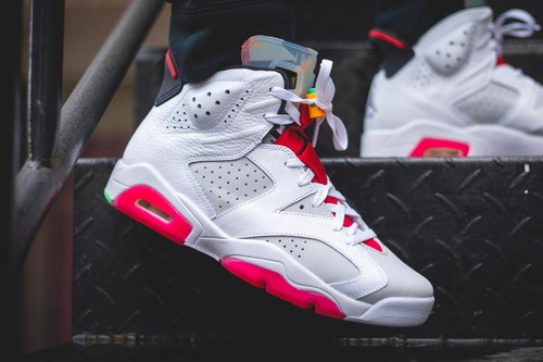 "A Closer Look at the Bugs Bunny-Themed Air Jordan 6 ""Hare"""