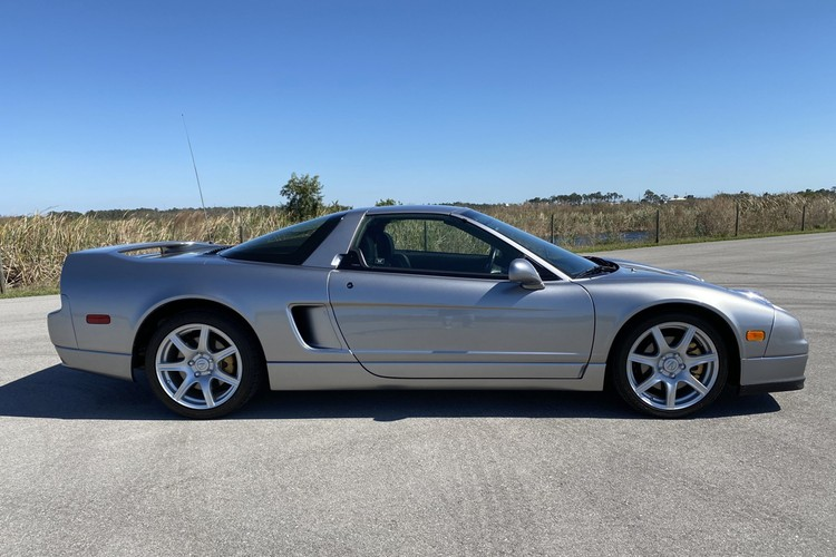 2004 Acura NSX-T 6-Speed Sells for $133,000 USD