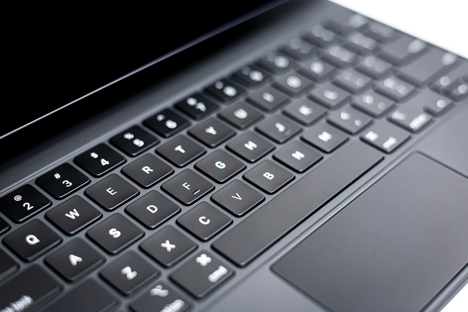 Apple iPad Pro Magic Keyboard Photos and Review In-Depth Closer Look