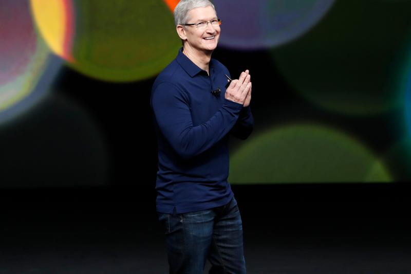 Apple to Produce One Million Face Shields per Week coronavirus covid-19 sars-2 medical workers professionals frontline 20 million N95 masks hospitals