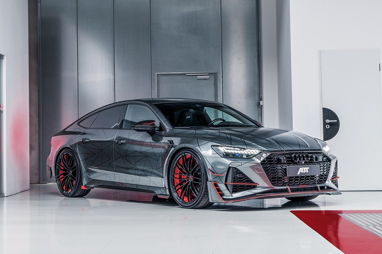 ABT Sportsline's Audi RS7-R Is a 740 HP, Carbon Fiber-Covered Family Supercar