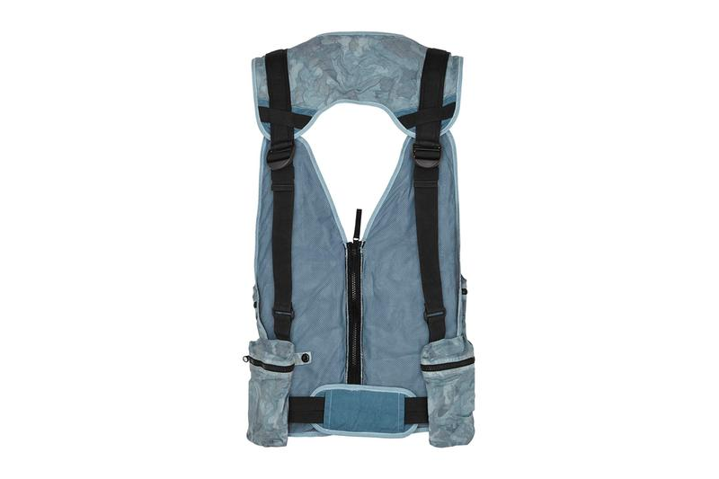 Stone Island Blue Camouflage Chest Bag menswear streetwear spring summer 2020 collection big looms carlo rivetti accessories tactical camo big looms vests bags carrying solution