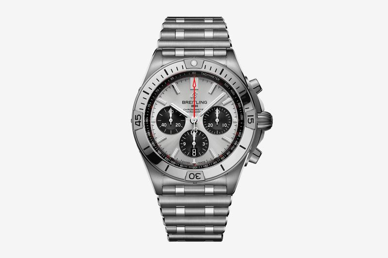 breitling chronomat 2020 watch refresh info sports watch stainless steel Rouleaux bracelet 42mm case signature rider tabs rotating bezel Caliber 01 movement two-tone finishes Bentley edition