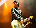 Johnny Marr Offers Virtual Guitar Lesson