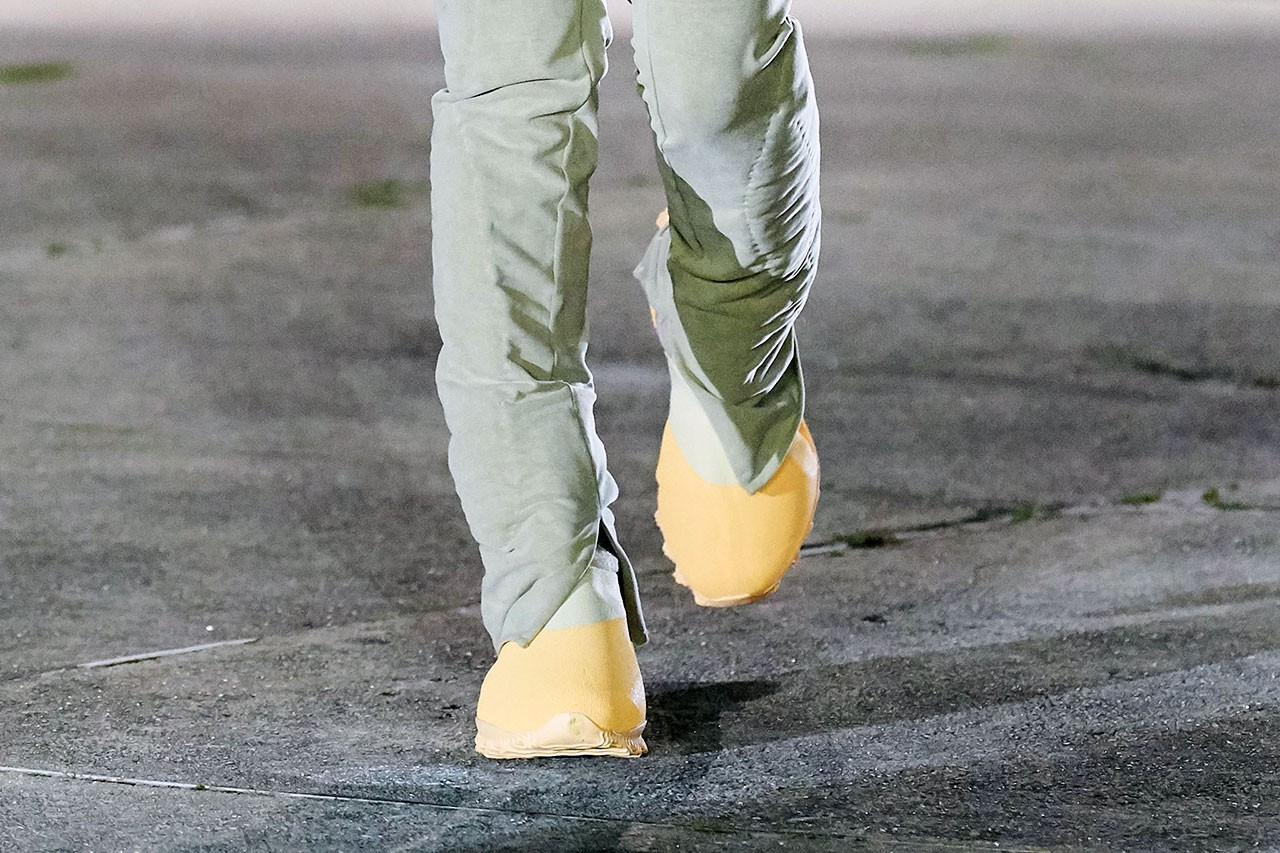 Kanye West Wears YEEZY Season 8 Yellow Boots unreleased new angle footwear sneaker womens on feet outfit martine rose first closer look adidas