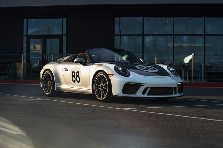 Porsche and RM Sotheby's to Auction Last 991-Gen 911 for COVID-19 Relief
