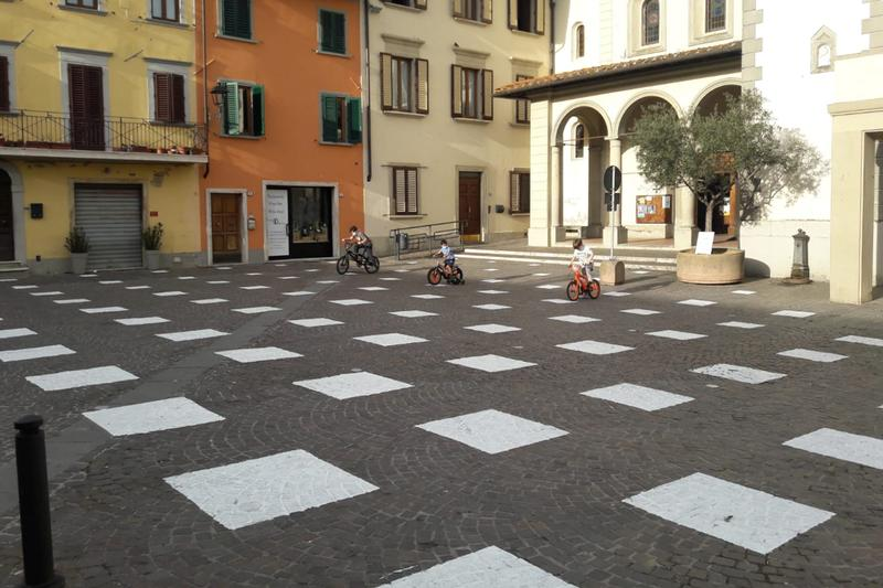 caret studio social distancing installation stodistante public spaces italy florence