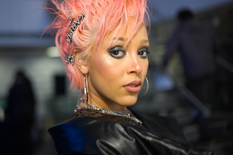 "Doja Cat Taps Nicki Minaj for ""Say So"" Remix stream listen now R&B hip-hop rap hot pink kemosabe records RCA"