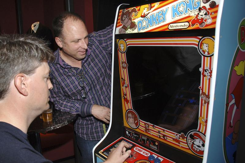 Donkey Kong Billy Mitchell Sues Twin Galaxies King of Kong Gaming Arcade Games Record Score Retro gamin Pac Mac