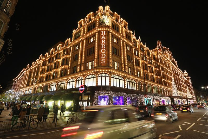 Harrods Opening Temporary Summer Sale Outlet Info Announcement Date When What Buy Coronavirus