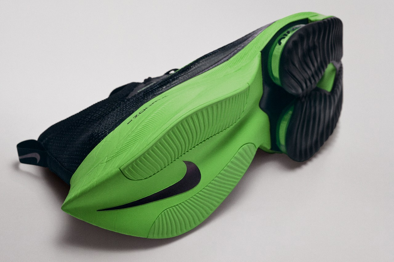 nike running air zoom alphafly next percent black electric green lime blast valerian blue CI9925 400 official release date info photos price member store list Eliud Kipchoge marathon run race sub 2 hour two time