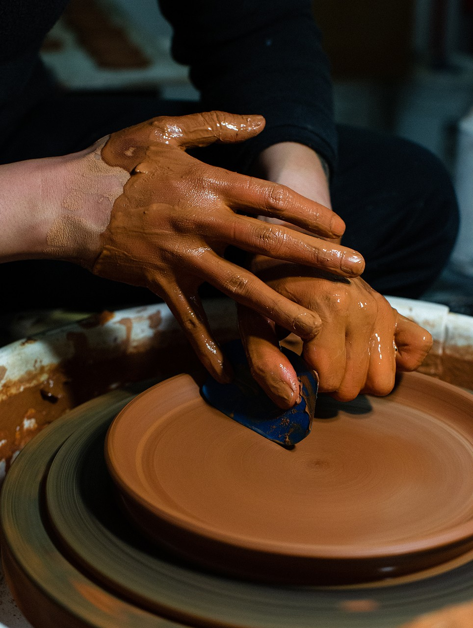 Phill Kim Ceramics: How to Make a Cup by Hand pkk los angeles spin wheel toss home