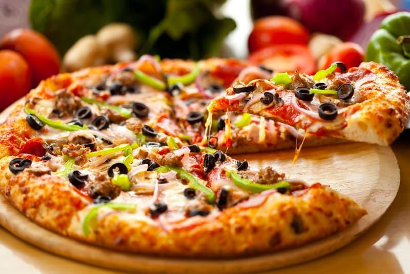 Pizza Hut Giving Away 500,000 Free Pizzas News good snacks graduation covid-19 coronavirus topings usa cheese franchises