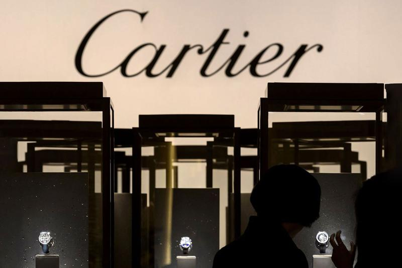 Richemont Fiscal Year 2019 Financial Results Report cartier Van Cleef & Arpels, IWC Schaffhausen, Jaeger-LeCoultre, Panerai, Piaget, Vacheron Constantin, Montblanc, dunhill Chloé yoox net a porter