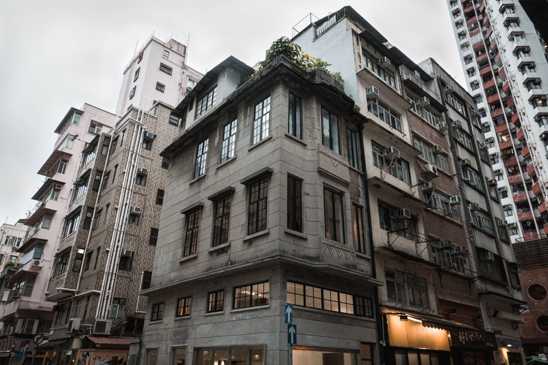 THE SHOPHOUSE Hong Kong Turns Pre-WWII Building Into 4,000 Sq-Ft of Gallery Space