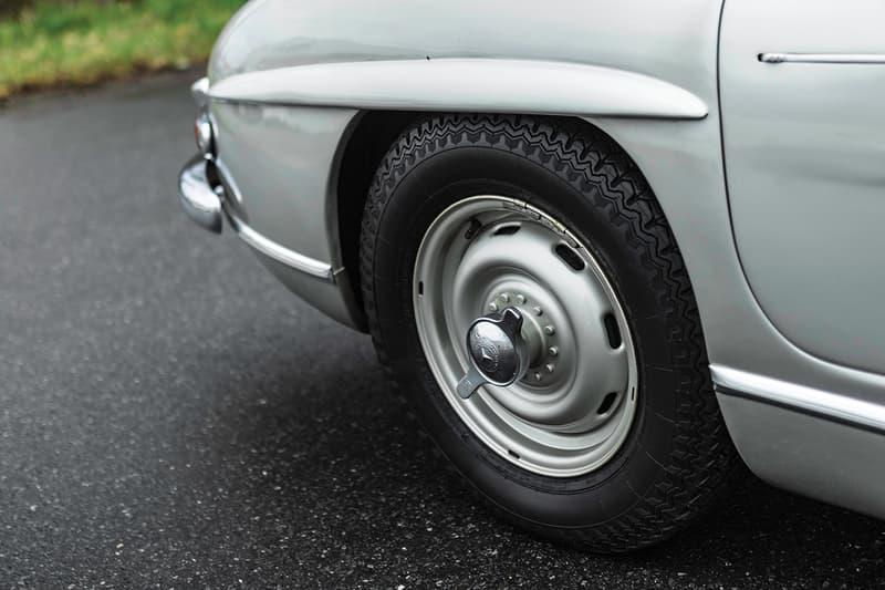 1958 Mercedes-Benz 300 SL Roadster Auction Rare German Automotive Car RM Sotheby's Convertible Luxury Vintage Sportscar Silver Black Merc Rudge Wheels €800,000 - €1,100,000 EUR