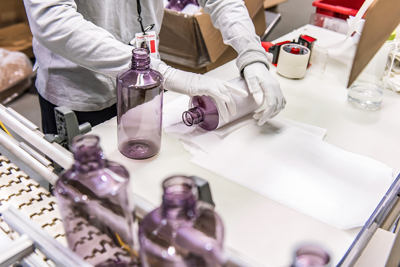 Nalgene Water Bottle Collaboration 32oz Wide Mouth Travis Scott Supreme Bape Online Ceramics PLEASURES Eden Power Corp Stadium Goods Fred Segal Manufacturing T Shirt Blanks Sustainability