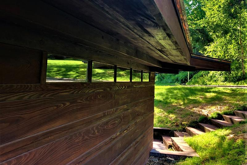 Early Frank Lloyd Wright Home Charles and Dorothy Manson House For Sale Closer Look Inside Exterior Design Architecture Usonian Building United States of America