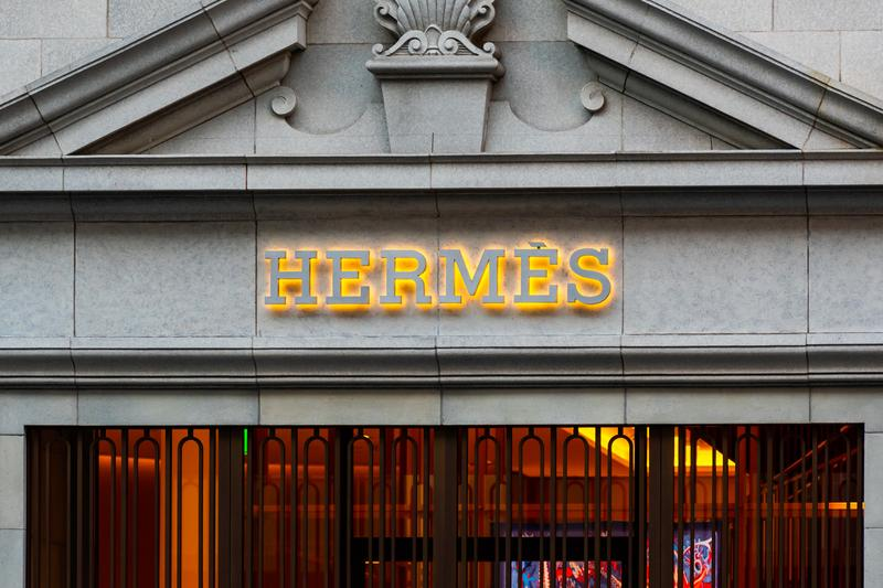 Hermes Reaches Record High Market Value COVID 19 luxury retail birkin bag quarter q1 analyst finances french bags 80 billion euros