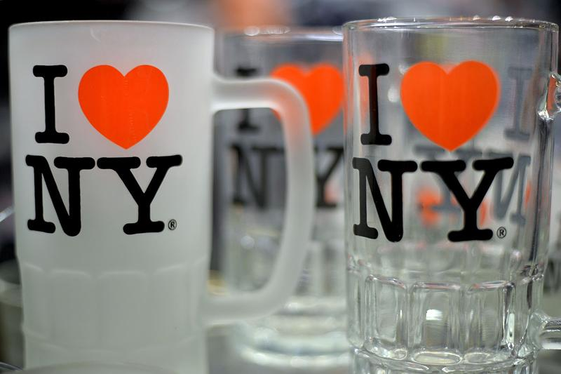 "Milton Glaser, ""I ♥ NY"" Designer, Dies at Age 91 passed away push pin graphic artist bob dylan new york heart love"