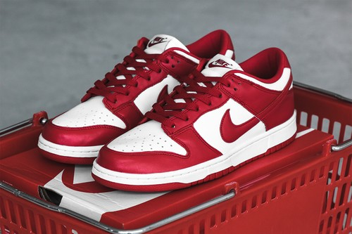 """The Nike Dunk Low SP """"University Red"""" References a Classic Varsity Color Scheme"""