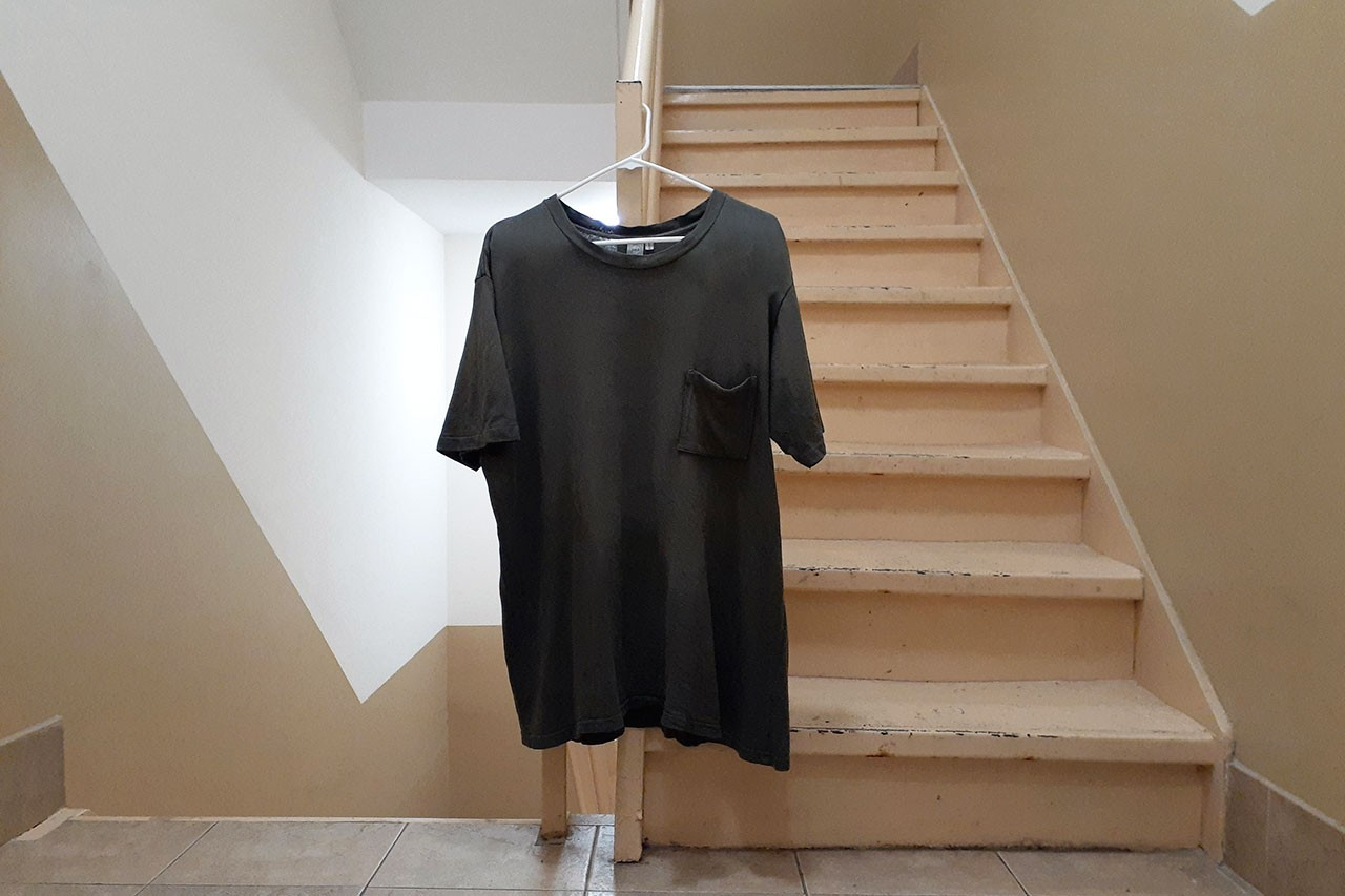 Handwashing Clothing at Home How to Guide the laundress tide quarantine clothing care tee shirt diy